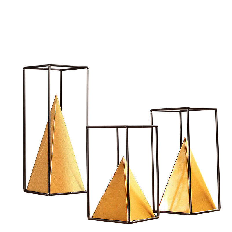 De metal de oro de <span class=keywords><strong>moda</strong></span> pirámide mostrar piezas para accesorios para el hogar Decoración de lujo