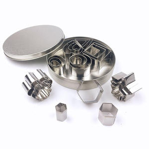 8pcs Stainless Steel Cookie Cutter Biscuit Cutter Cookie Mold Cake Embossing Tool Set With Packing Cheap Bakeware Tool