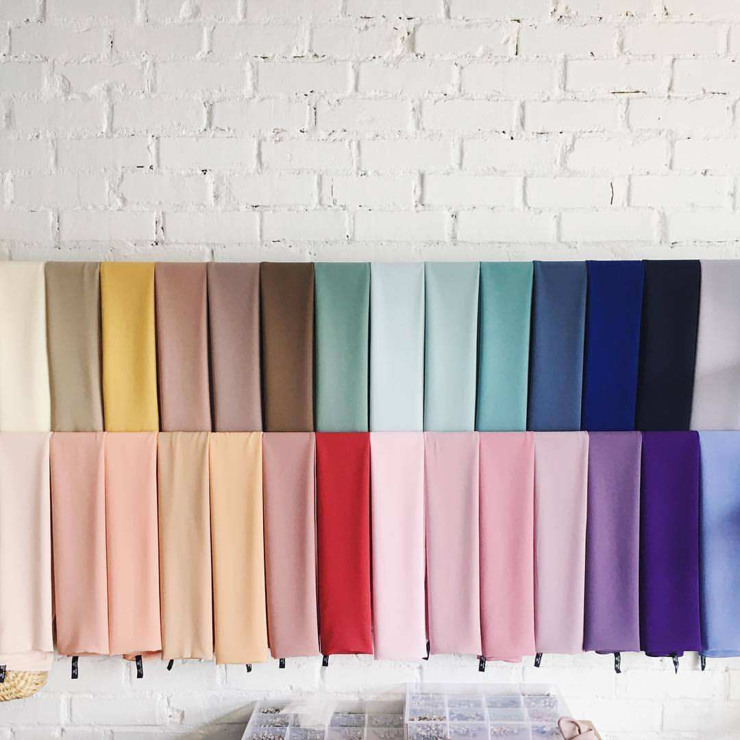 High Quality Muslim Women Large Square Scarf Bubble Chiffon Hijab Shawl Wrap Soft Scarves Solid Colors 145-145 cm
