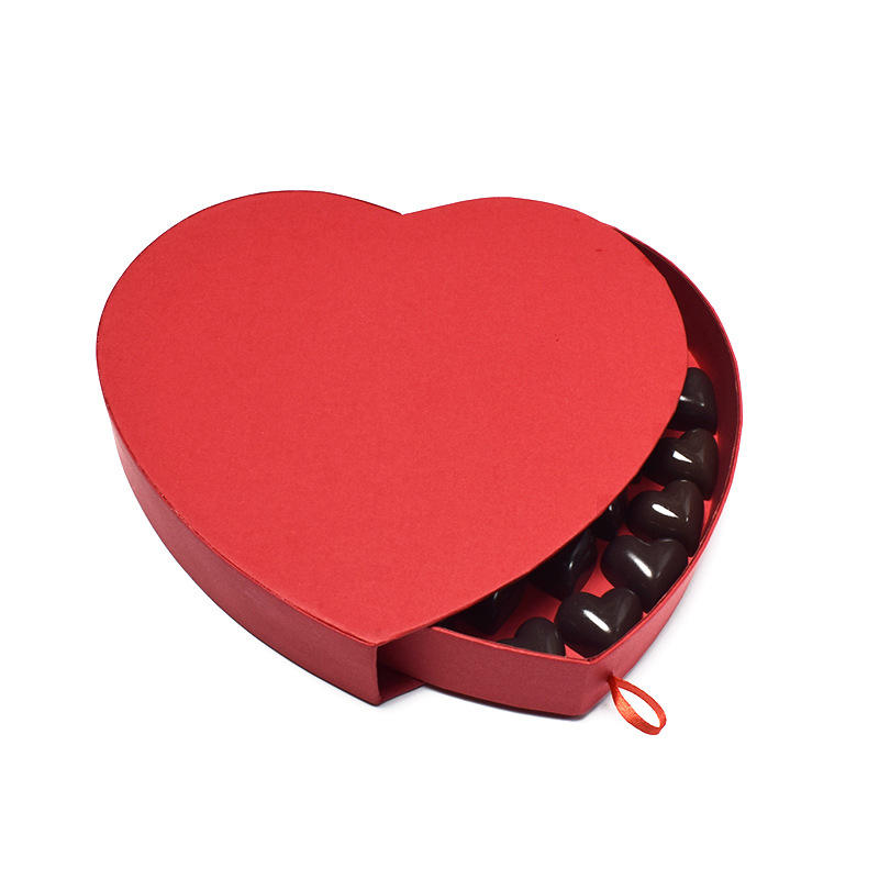 Luxurious red love chocolate box spot creative smoked pull peach heart on valentine's day gift boxes