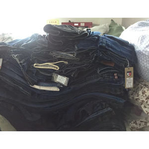Low MOQ t-shirt soft stocklot jeans
