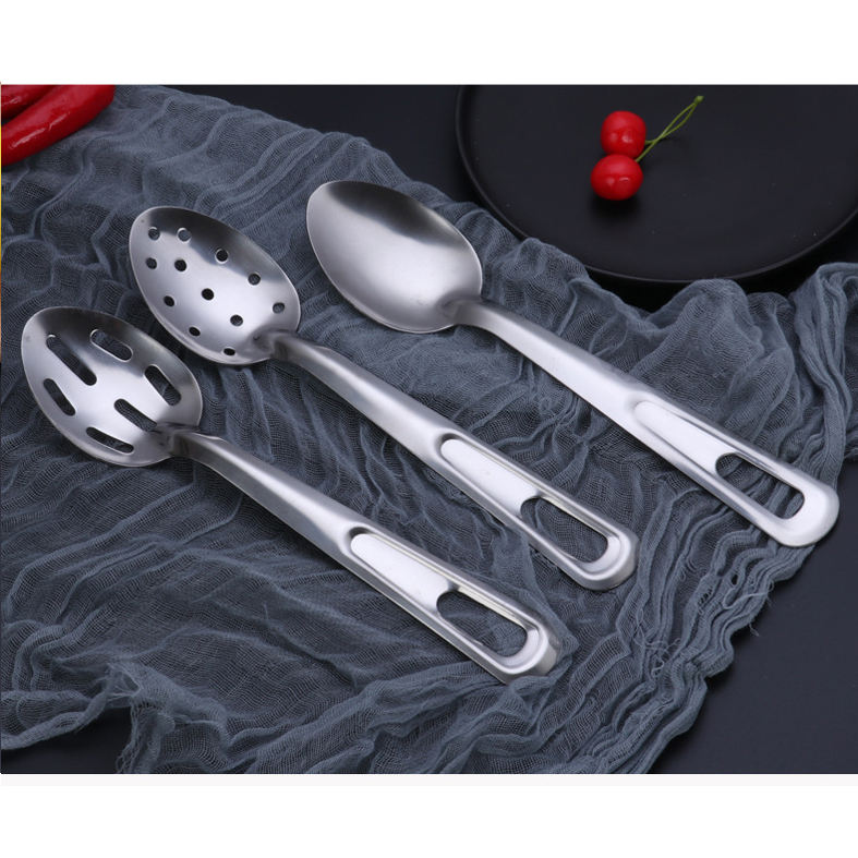 Thick stainless steel big serving spoon long handle salad mix spoon cooking skimmer dinnerware pasta server spoon