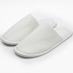 Five-star luxury hotel disposable/washable adult and kid embroidered waffle slippers