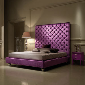 Latest design tufted royal king size purple leather upholstered wooden bed