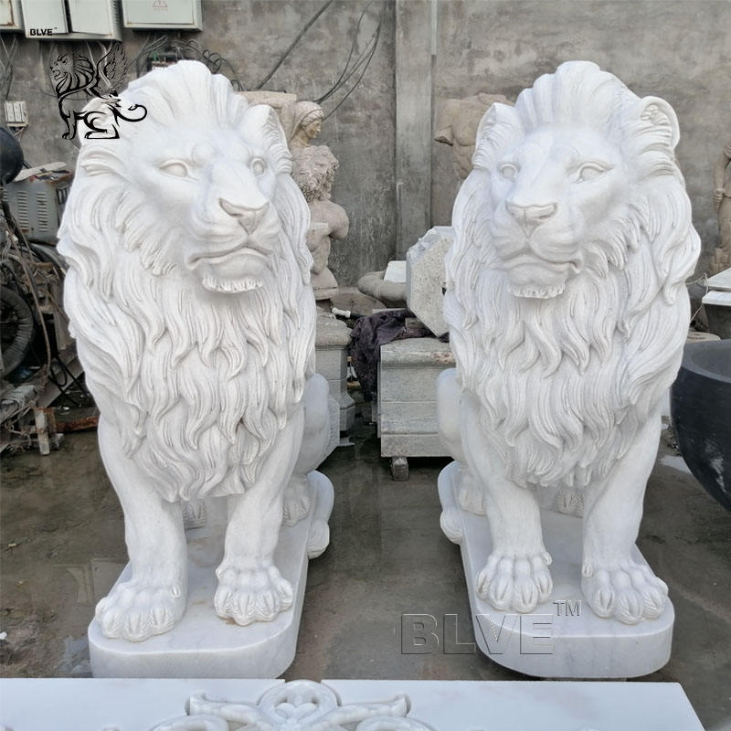 Hand Carved Western Style Life Size Garden Decoration White Marble Lion Statues For Sale