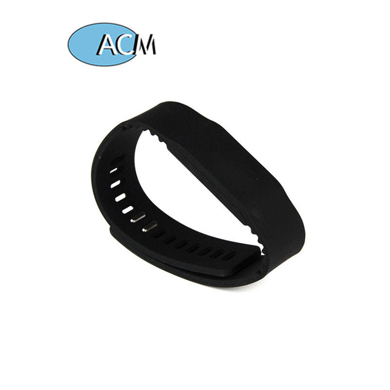 Verstelbare <span class=keywords><strong>Passieve</strong></span> Rfid Polsband Prijs Siliconen Rfid Polsband Nfc Tag Waterdicht Smart Rfid Armband