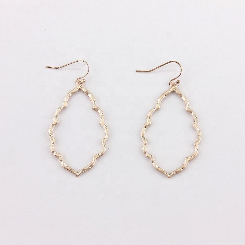 Hammered Zinc Alloy Frame Morocco Dangle Drop Earrings for Women Matte Gold Plated Fashion Metallic Jewelry