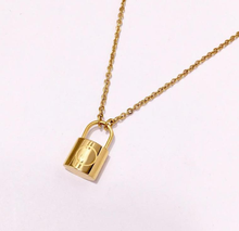 Wholesale Simple Jewelry 18K Gold Plated Customized Lock Pendant Chain Necklace For Men And Women Couple Necklaces