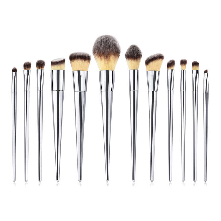 High Quality Synthetic Hair Silver Handle Plastic Makeup Brushes 12PCS Pretty Make Up Brushes Set Silver Private Logo