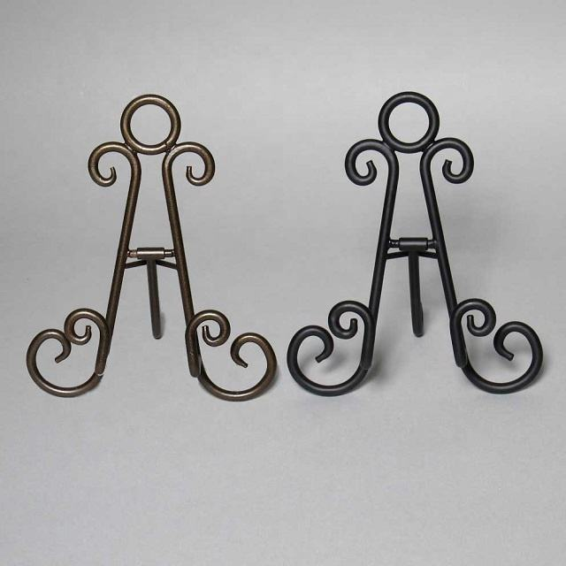 Metal Curls Easel Stand