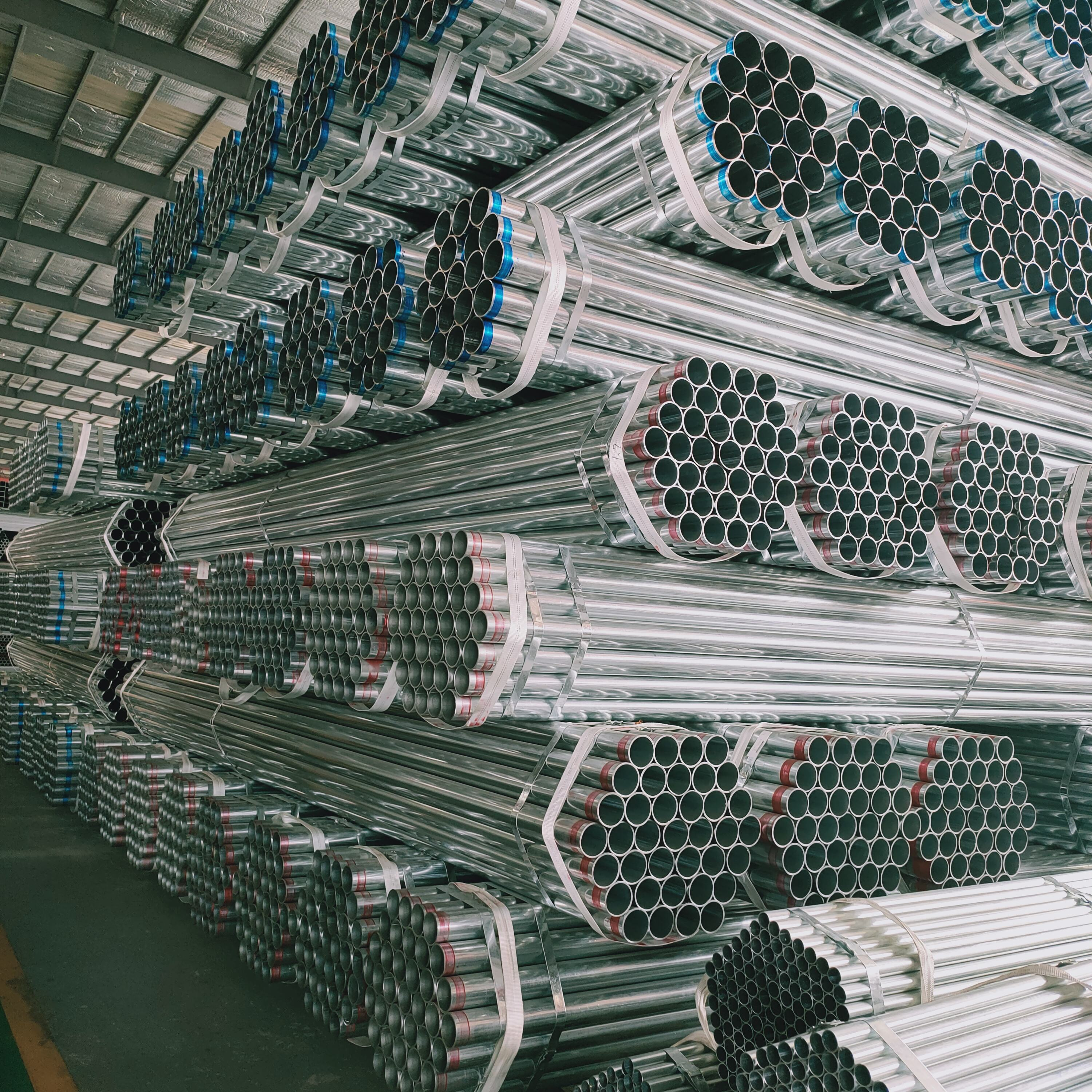 Y TianJin Factory Round Steel Pipe Gi Tube Scaffolding Steel Pipe Furniture Tube