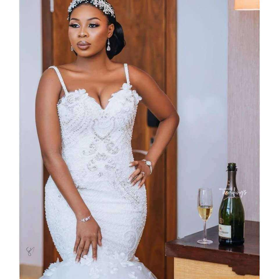 High Quality Mermaid Wedding Dresses New Style Trial Lace Wedding Dress Fashion African suspender mermaid bridal dress