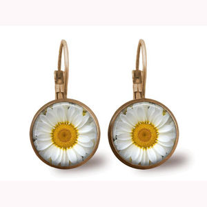 2020 Latest cheap price round cabochon flower glass bead stone earring