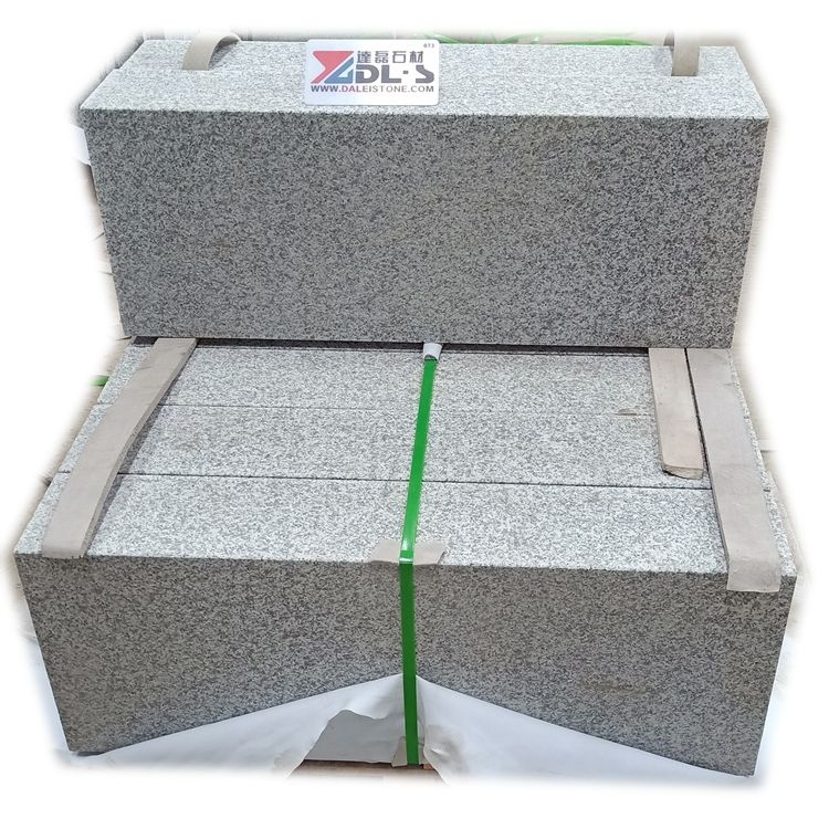 China Grey Granite Road And Garden Curbstone