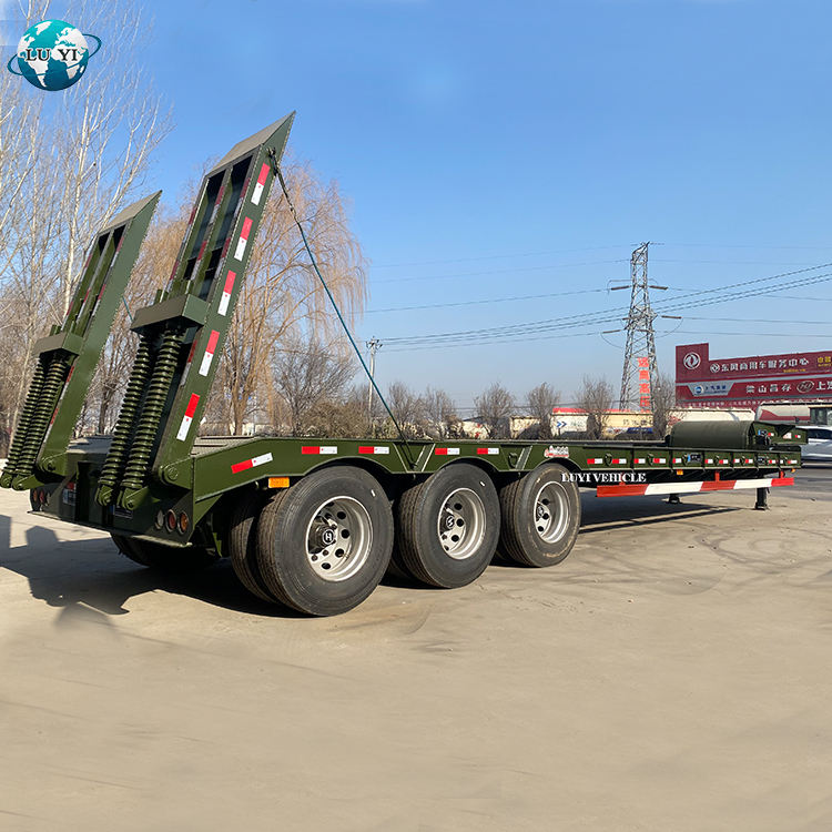 Luyi 3 Axle 60T Gooseneck Low Bed Truck Semi Trailer for sale