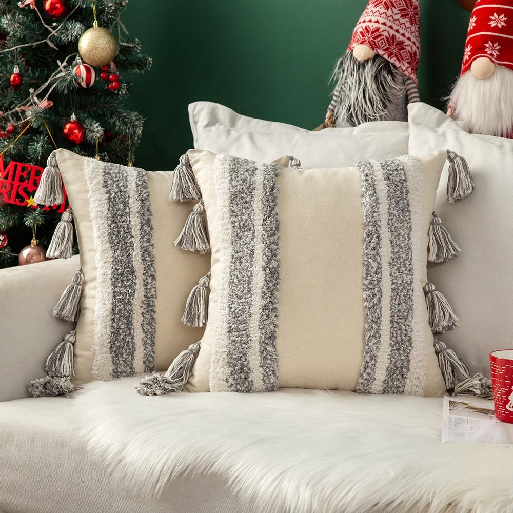 New Wholesale outdoor throw pillow with tassels christmas pillow beige and gray boho cushion cover for sofa