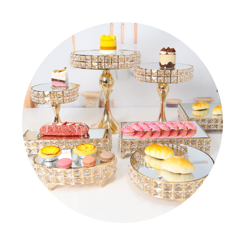Wholesale Hot Baking Party Supplies Cake Tools Pink Metal Cake Table Crystal Round Square Wedding Cake Dessert Stand Set