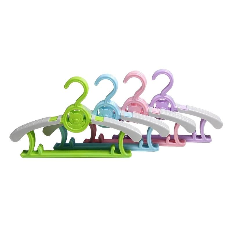 high quality safe plastic lovely bear pattern drying baby clothes hanger