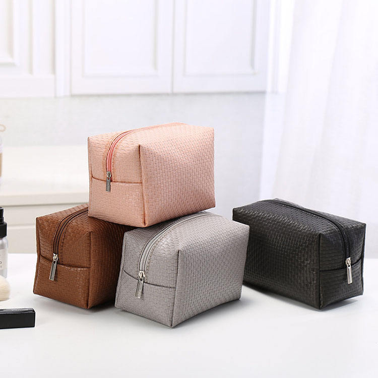 New arrival hot makeup trolley case india real pu leather makeup bag with zipper ladies clutch cosmetic bags natura peru trabajo