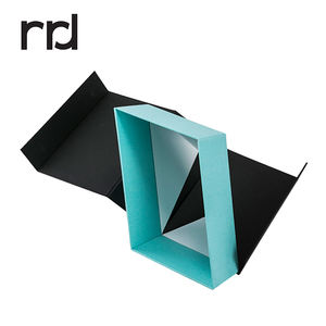 RR Donnelley custom color speciatyl paper gift craft magnetic box