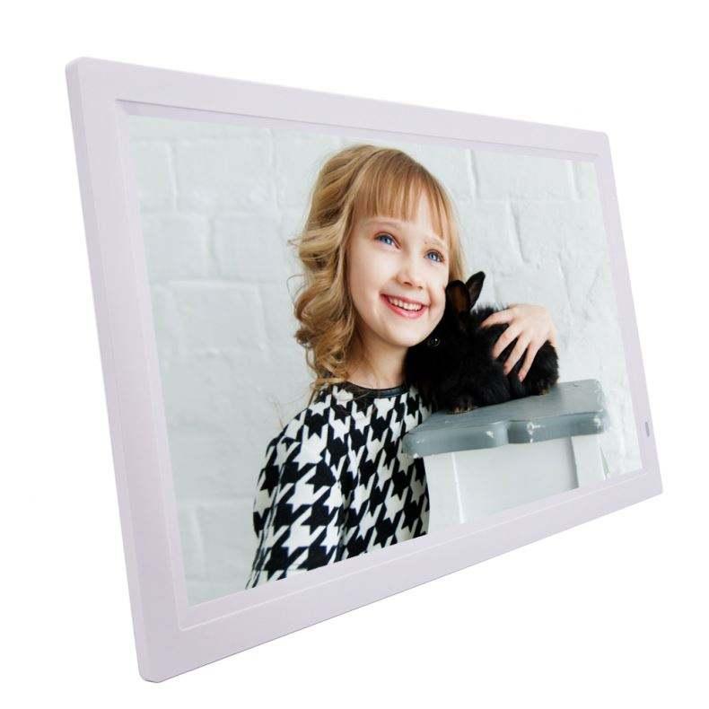 Вставить фото в рамку с экраном телевизора