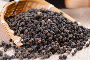 China Black Pepper Best selling price Dried single spices Black Pepper