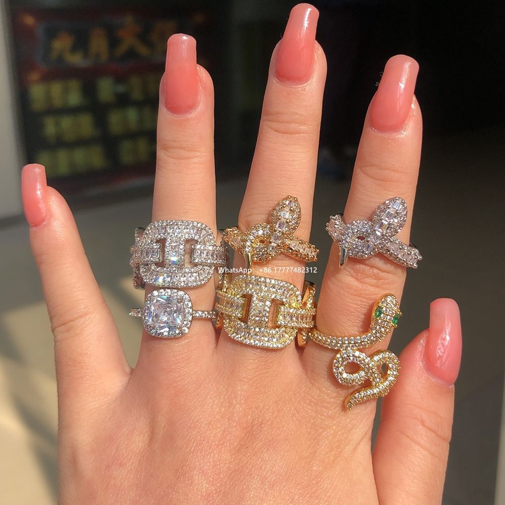 FOXI Rhodium Plating White Copper Rings Trendy New Animal Snake Women Ring Bling Bling CZ Stone Exquisite Stackable Snake Rings