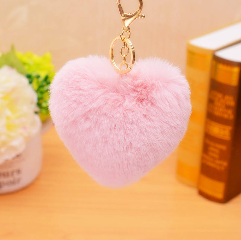 Newest Hotsale Simple Design Pink Faux Fur PomPom Keychain Fur Ball Heart Shape Keychain For Bag
