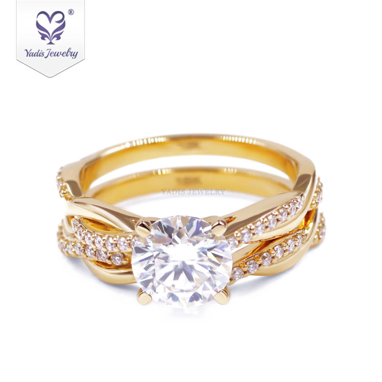 Good quality 1.5 carat round cut DEF/VVS moissanite wedding rings set couple 18 karat gold
