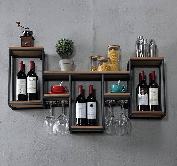 2020 new Nordic wrought iron solid wood wine rack wall hanging in restaurant