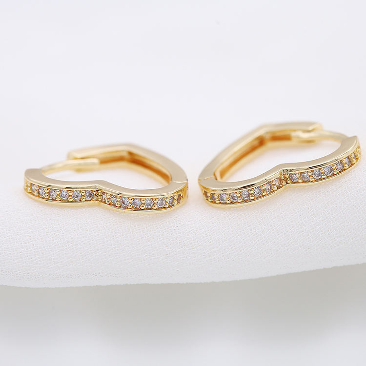 2020 Multi Sizes Trendy Heart Shape with Cubic Zirconia 14k Gold Plated Small Hoop Earrings