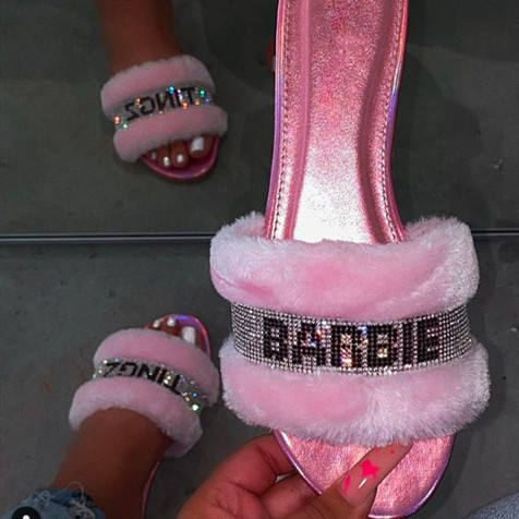 2020 New Arrival Ladies Flat Furry Slippers Pink Glitter Slides for Women Fashion Sandals