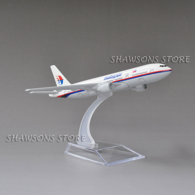 Diecast Metal 1:520 Plane Model Toys Boeing 777-200 Malaysia Airliner 15.5cm Miniature Replica