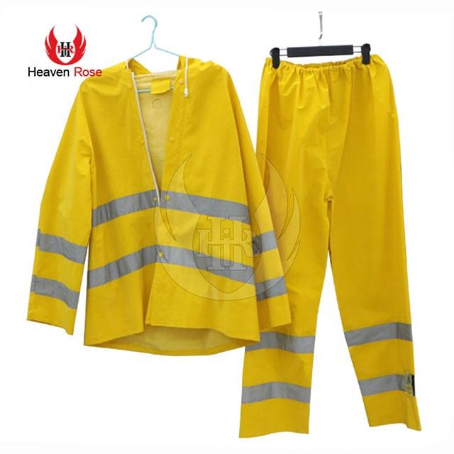 Reflective Yellow 300D Oxford Rain Suit Clear Plastic Rain Suit PVC Rain-wear Manufacturer In Pakistan
