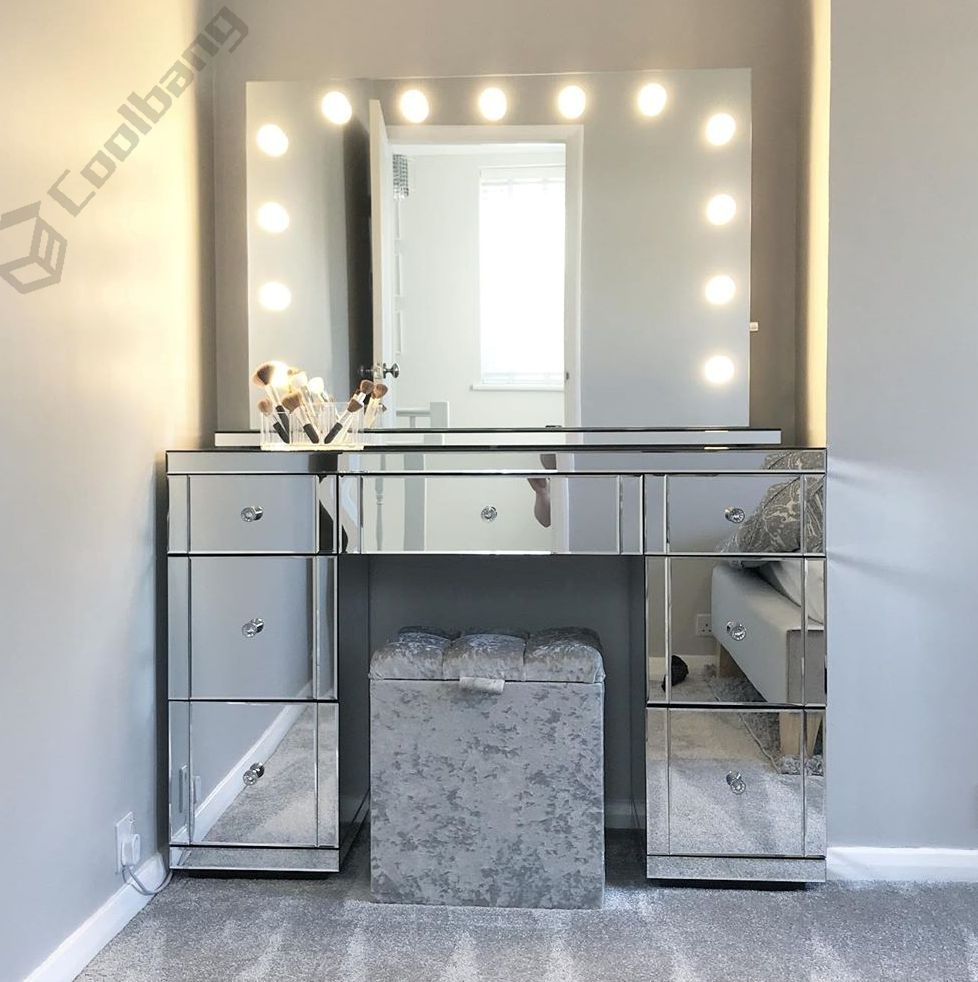 Antique bedroom dressing table mirrored dresser with mirror