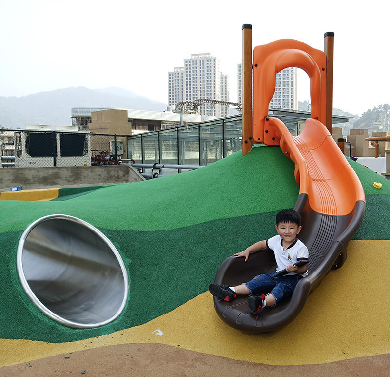 Qunzhen Park Rockery Plastic Stainless Steel Tube Slide Customized Slide Kindergarten Kids Outdoor Playground