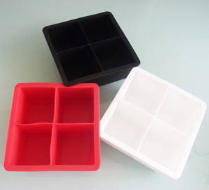 NEW High Food Grade King Cube Ice Tray with Lid  4 Cavies Premium Silicone Mold for 2