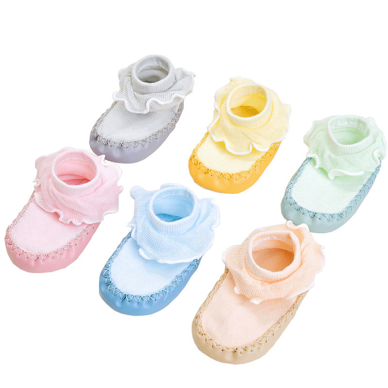 China ready to ship knitted socks with leather sole lace socks shoes for baby infants toddlers