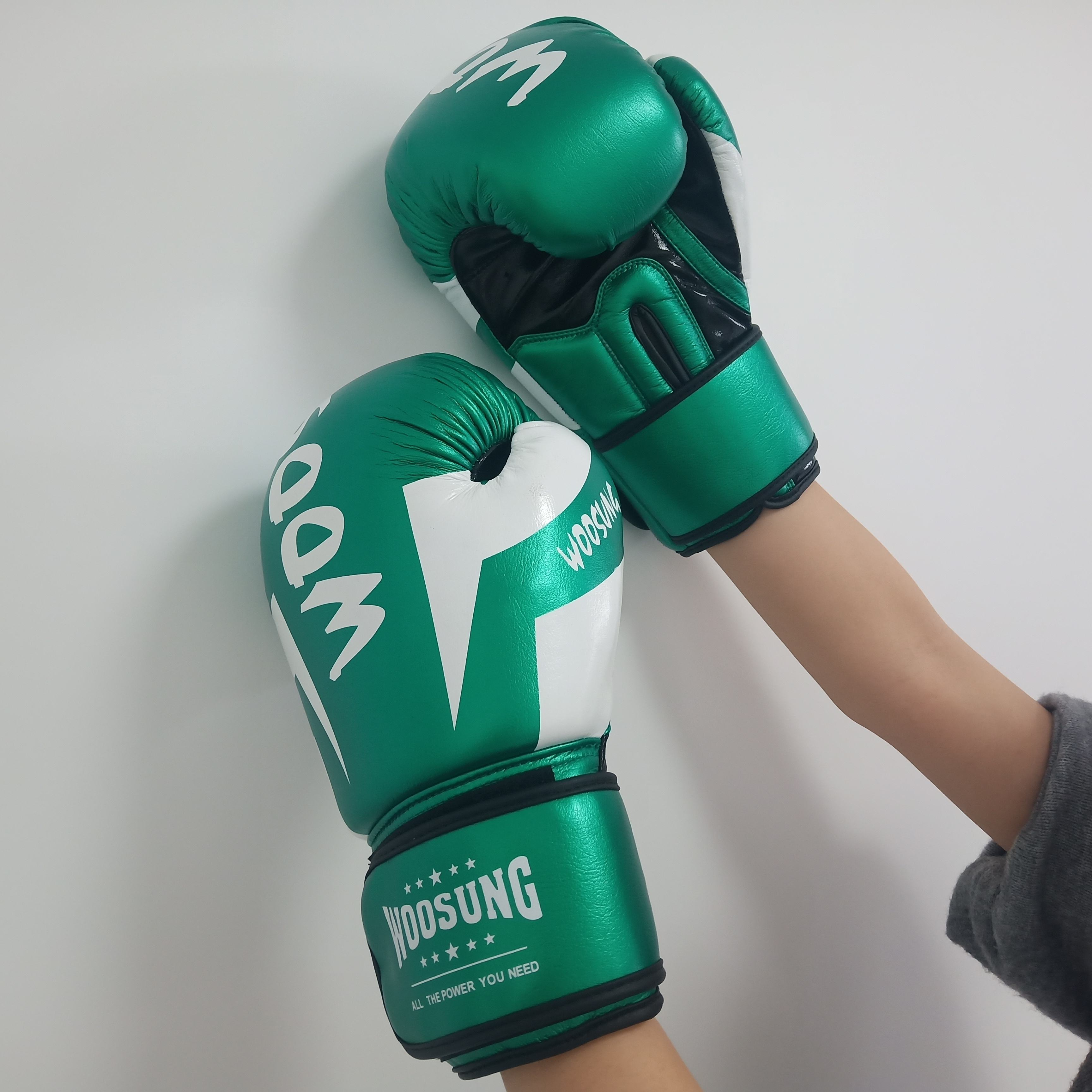 Boxing gloves and mitts made in China factory High Quality Cheap boxing gloves custom logo real leather Amazong and eBey sell
