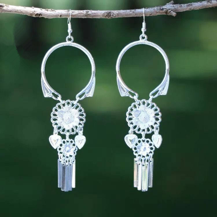 Factory Chinese miao ethnic earrings alloy plated silver flower earring