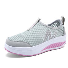 2020 fashion sneakers women casual shoes Women Mesh Breathable Sneakers female Lace-Up Casual Shoes Student Shoes sports