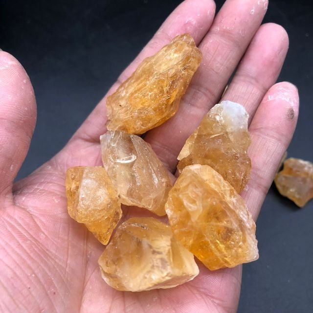 Wholesale raw natural citrine crystal gravel rough citrine tumbled stone