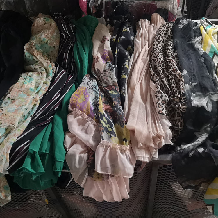 wholesale bulk used clothes hot sale in Africa summer used clothing