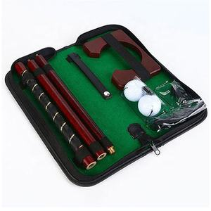 Indoor Mini Golf Putter Set Portable Kayu Golf Gift Set dengan Foldable Golf Club