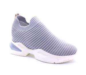 2020 New Arrival Popular Knitted Running Shoes Elastic Comfortable Breathable Thick Sole Women Sports Casual Fashion Slip On Fe
