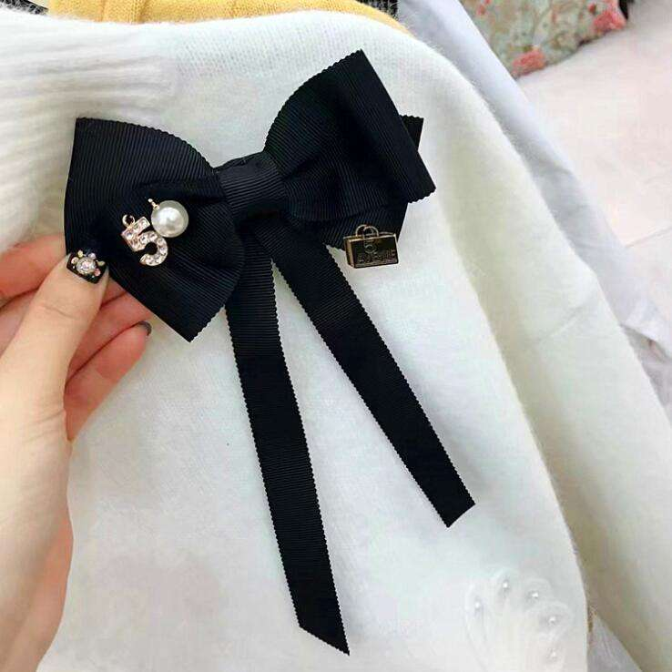 wholesale korean bow brooches fashion ribbon bow brooch tie pearl letter embellished brooch pins for women necktie accessories