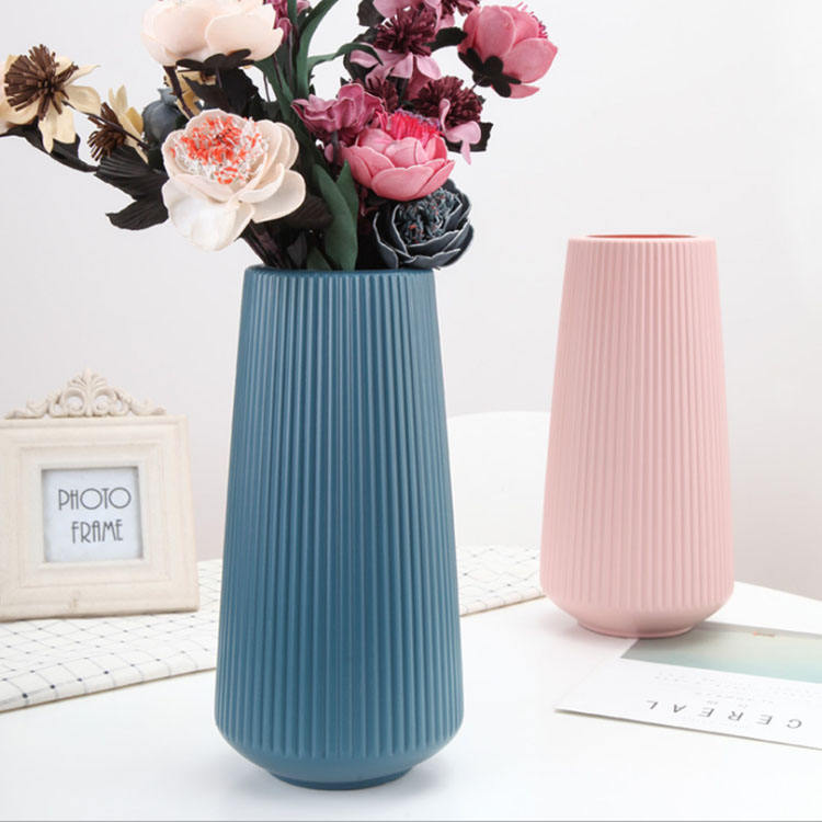 Promotional sale trendy style eco-friendly indoor durable striped PE big flower vase