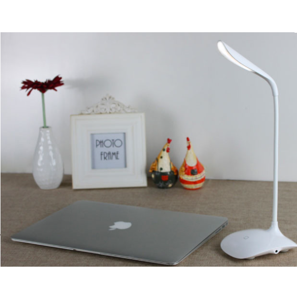 Office Eye-caring Students Kids Study Rechargeable Night Reading Light LED Desk Lamps Wholesale China