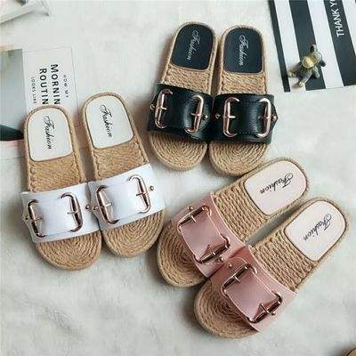 Sweet new style fancy ladies anti-slip flat sandals with beatiful logo