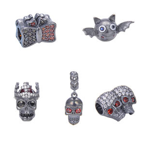 2020 Hot Selling Skulls Bat Bow Knot In Gnoce Silver Charms And Beads